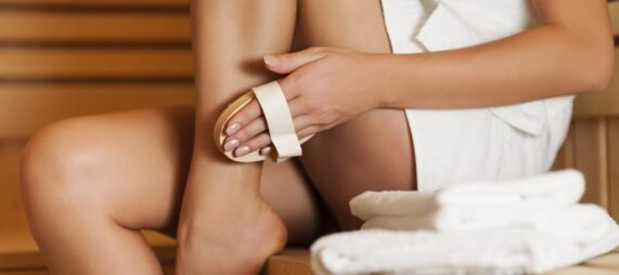 A Two-Minute Guide to Dry Body Brushing